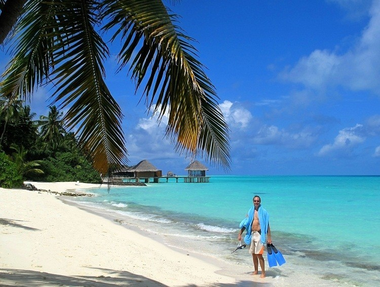 island hoping in the maldives