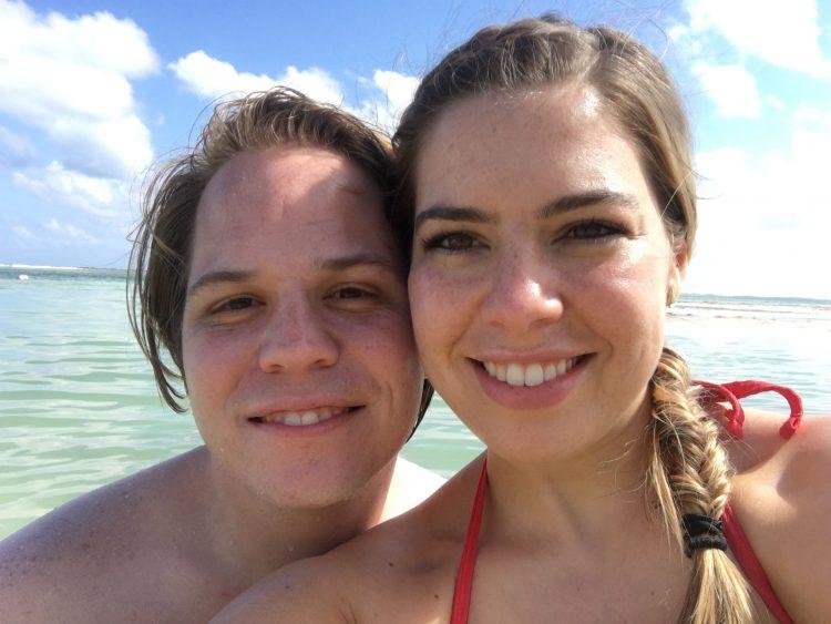 Couple in Roatán Honduras Beach