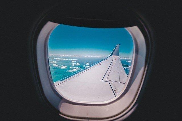 plane to bahamas