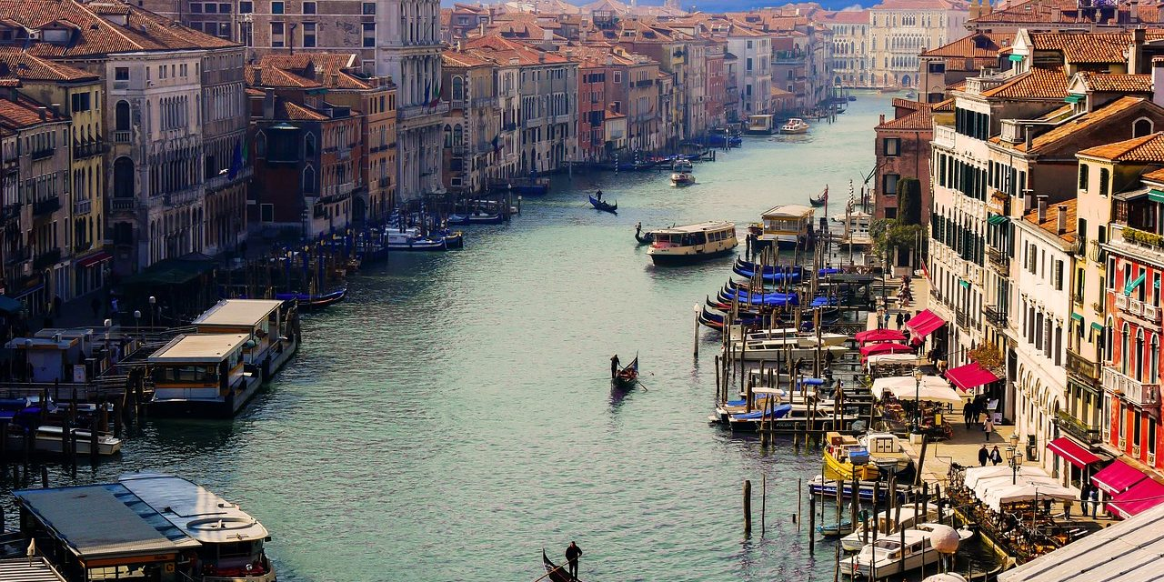 Planning a Perfect Honeymoon in Venice