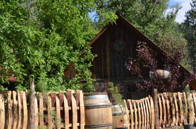 The Cabins at Country Road, secluded romantic cabin in Colorado