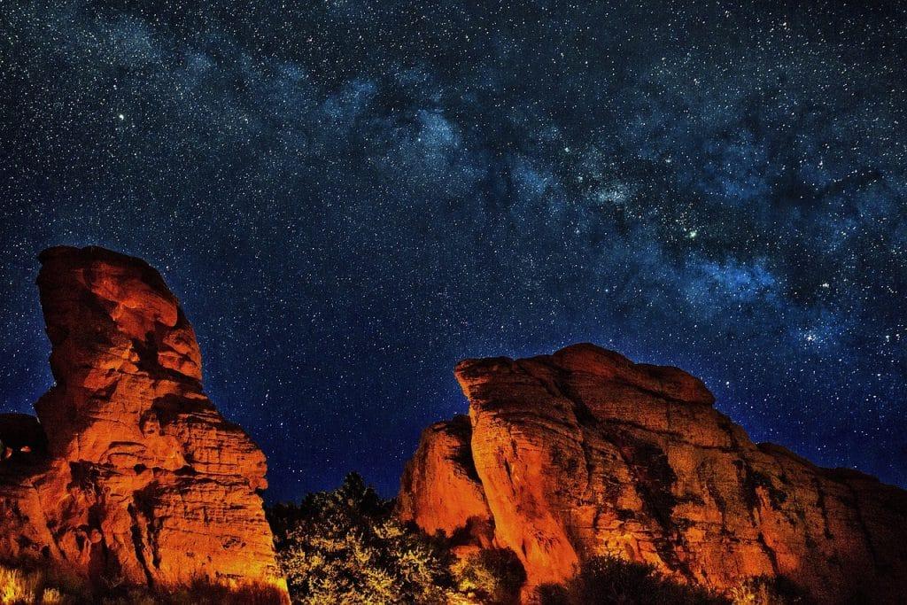 stargazing in arizona is a romantic getaway for honeymooners