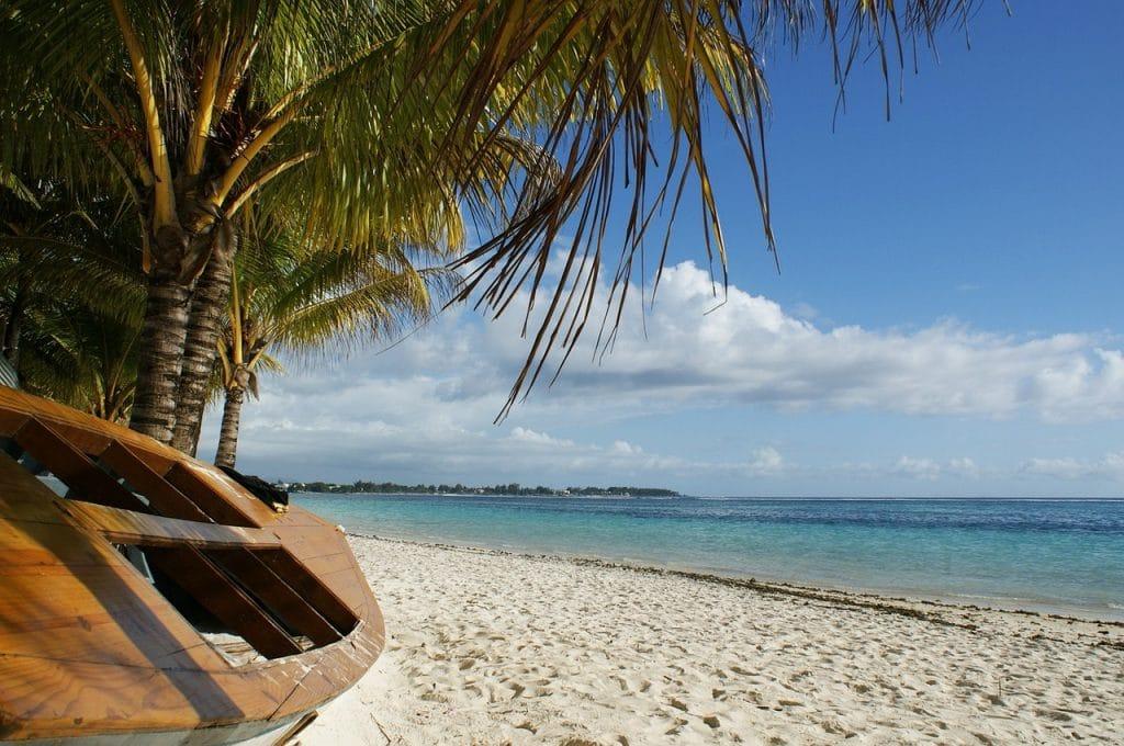 Mauritius beach perfect for a honeymoon