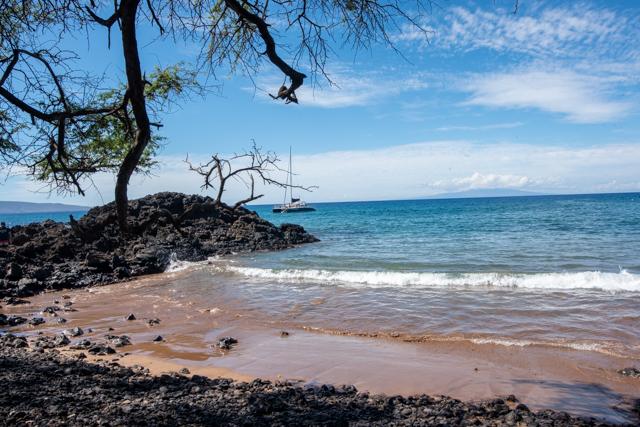 white rock beach Makena