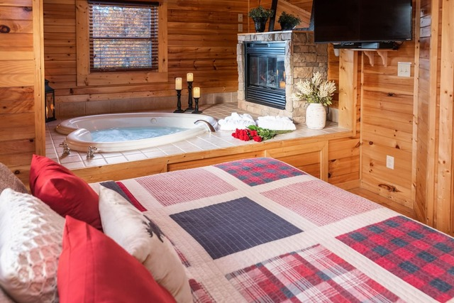 Romantic Smoky Mountain Cabin with Hot Tub & Wifi